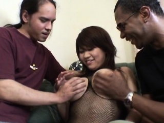 Asian milf with bigtits gets spitroasted